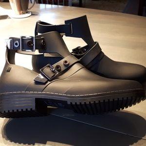 Melissa cutout rubber boots